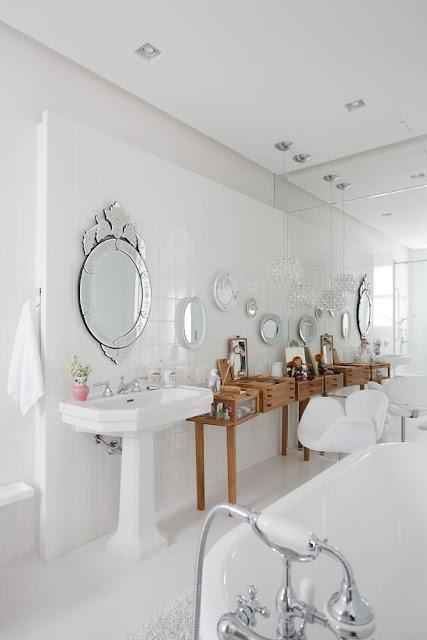 female-bathroom- decoration