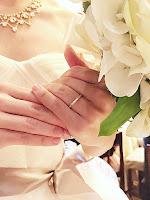銀座ジュエリーサロンで作ったマリッジリング(結婚指輪)が輝いています。
