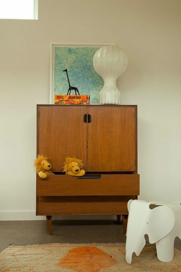 bureau vintage 60 danes para piso pequeño