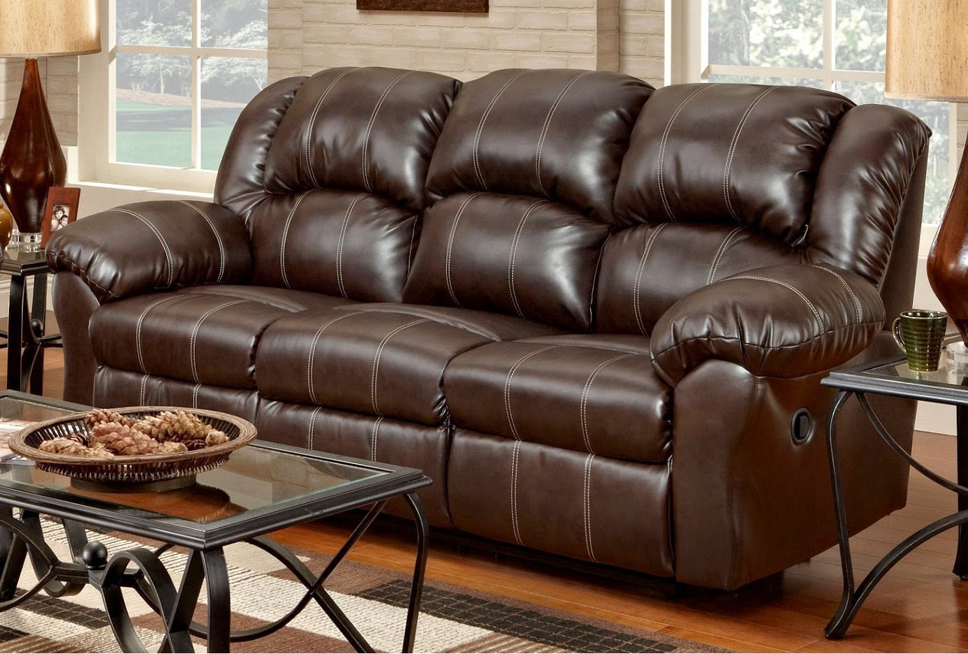 best leather reclining sofa brands reviews alpha leather. Black Bedroom Furniture Sets. Home Design Ideas