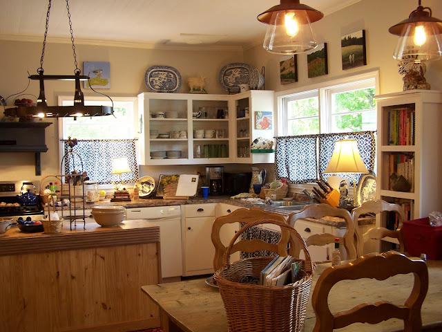 TARA DILLARD: Farmhouse Kitchen