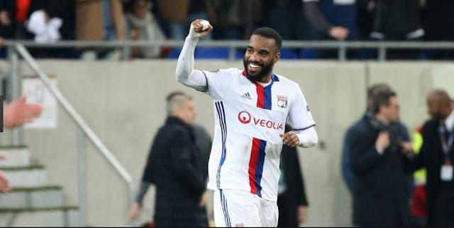 Liverpool Ikut Panaskan Bursa Transfer Lacazette