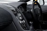 Aston Martin V12 Vantage S (2017) Dashboard