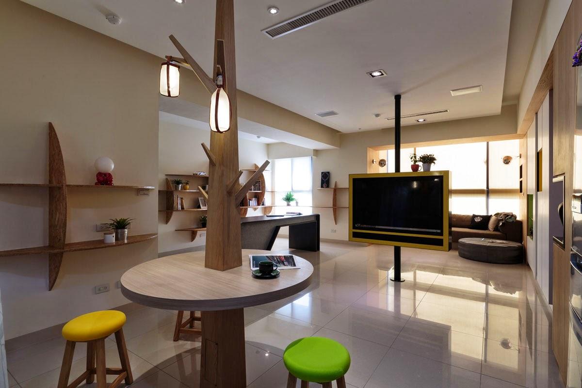 Cozinha decorada com tv no meio com suporte novo
