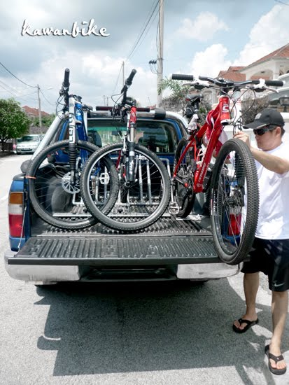 kawanbike: DIY Pick-up truck bike rack... in action