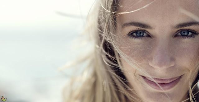 البقع البنية قد تكون غير مضره لكنها يمكن أن تؤثر على جمل وجهك، لحسن الحظ هناك العديد من العلاجات الطبيعية الفعالة لعلاج  البقع البنية في الوجه والجسم بدون استخدام المنتجات الباهظة والمضرة أيضا.
