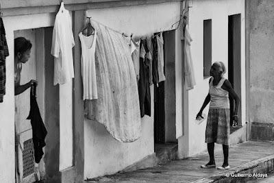 En Santiago de Cuba, by Guillermo Aldaya / AldayaPhoto