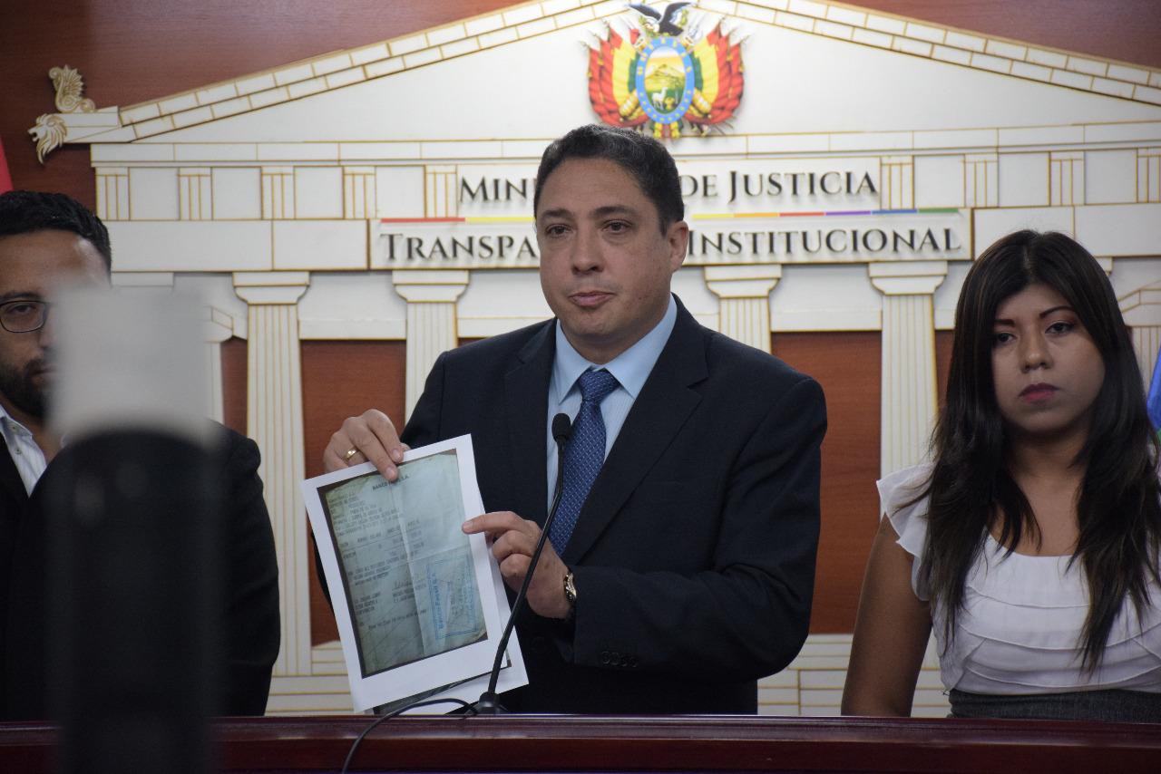 Arce confirma que se usaba la sigla del MAS para atraer gente al engaño / ÁNGEL SALAZAR