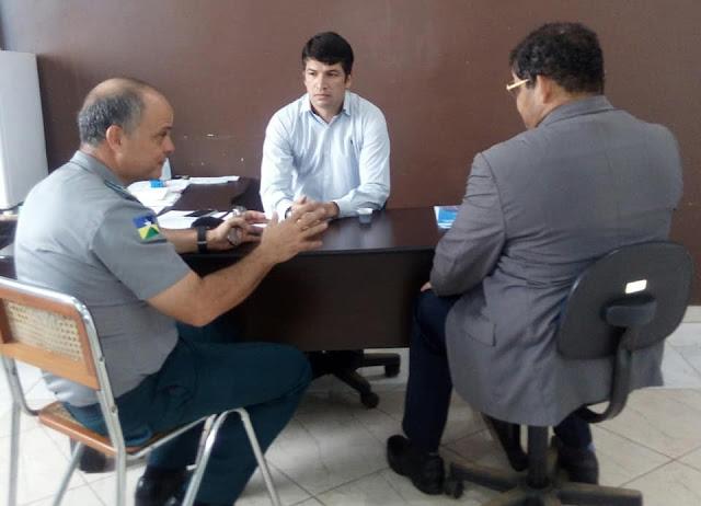 Sérgio Bouez apoia projeto Polícia Comunitária