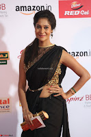 Sindhu looks fabulous in Black Saree designer choli at Mirchi Music Awards South 2017 ~  Exclusive Celebrities Galleries 038.JPG