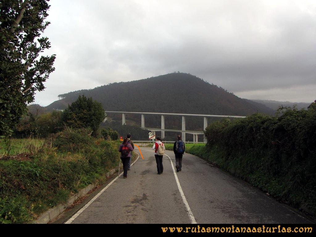 Ruta Artedo, Lamuño, Valsera: Bajando de Lamuño a la Concha de Artedo