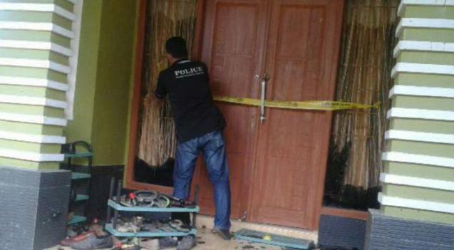Rumah Oknum Guru Dibakar karena Penghuninya Tepergok Selingkuh dengan Istri Polisi