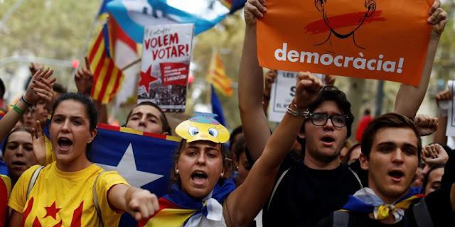 Καταλονία: Σε τροχιά μετωπικής με την Ισπανία! Βγήκε ο κόσμος στους δρόμους