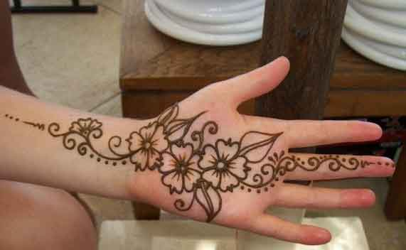 Latest and Beautiful Simple Mehndi With Floral Design 2016