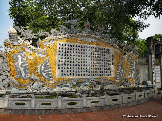 Estela del Templo Đền Lý Bát Đế - Vietnam por El Guisante Verde Project