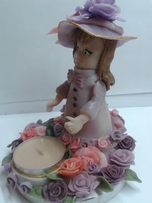 świeczik z różami lalka z zimnej porcelany
