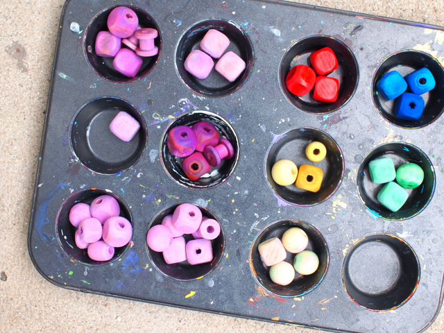 how to dye wooden beads with liquid watercolors with kids