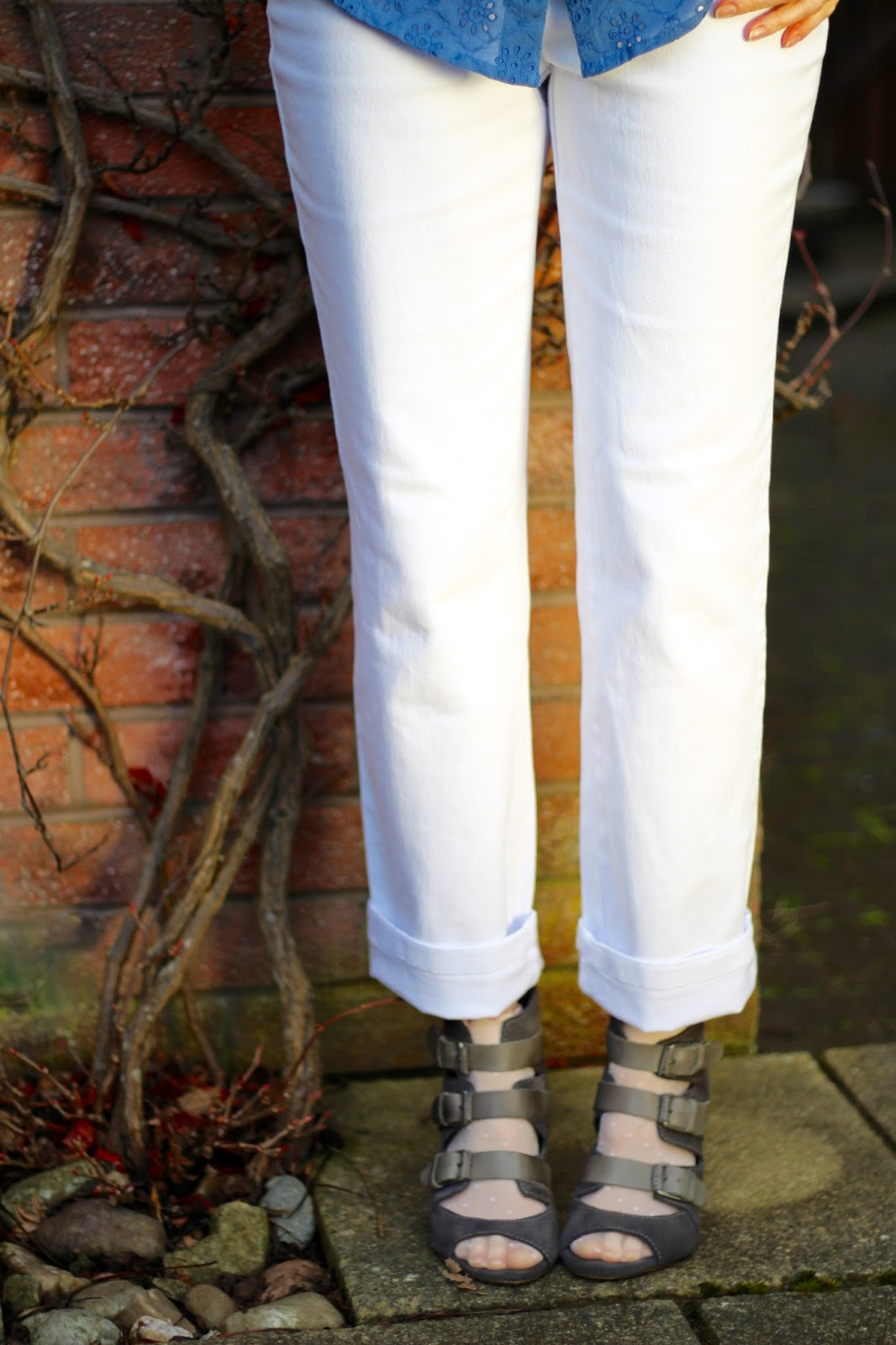 Bonmarché White Straight-legged Jeans | Grey and blue layered spring look, over 40 | Fake Fabulous