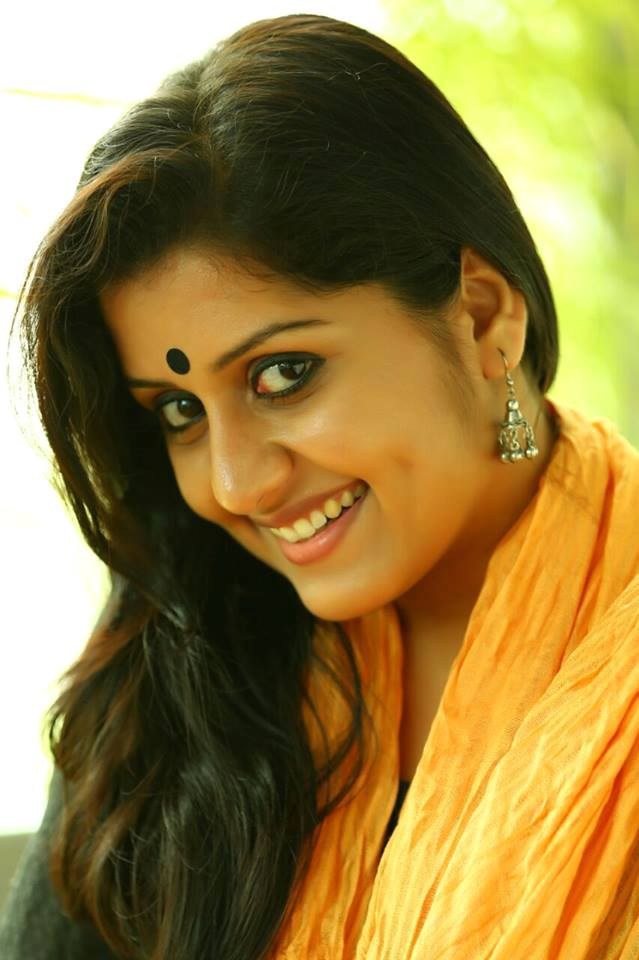 Sarayu Mohan Latest PhotoShoot Images HD - IMAGES