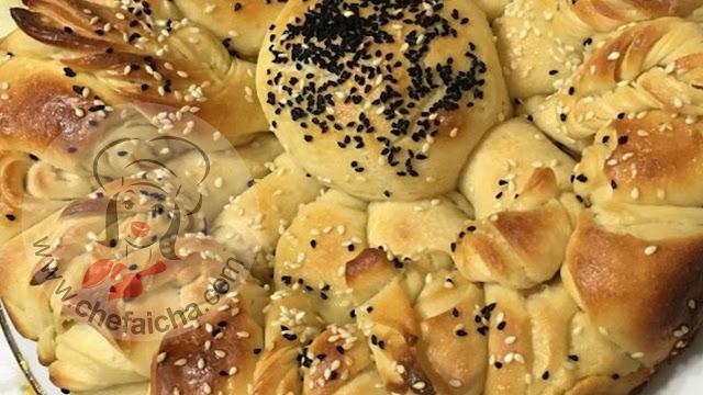 طريقة عمل خبز الفتوت بالسمسم وحبة البركة