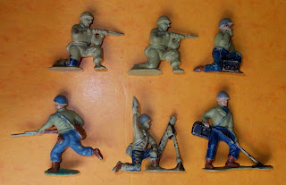 1950's Toy Soldiers; 1960's Toy Soldiers; 54mm Toy Soldiers; Charbens GI's; Charbens Toy Soldiers; Grenade Thrower; Khaki Infantry; Kneeling Firing; Made in England; Marching Toy Soldier; Mine Detector; Mortar Man; Polyethylene Toy Figures; Polyethylene Toy Soldiers; Radio Operator; Running Rifleman; Small Scale World; smallscaleworld.blogspot.com; Timpo GI's; US Infantry; 1 Charbens GI WWII Plastic Toy Soldiers Khaki Infantry Polyethylene Figurines DSCN9230 Factory pain or tatty