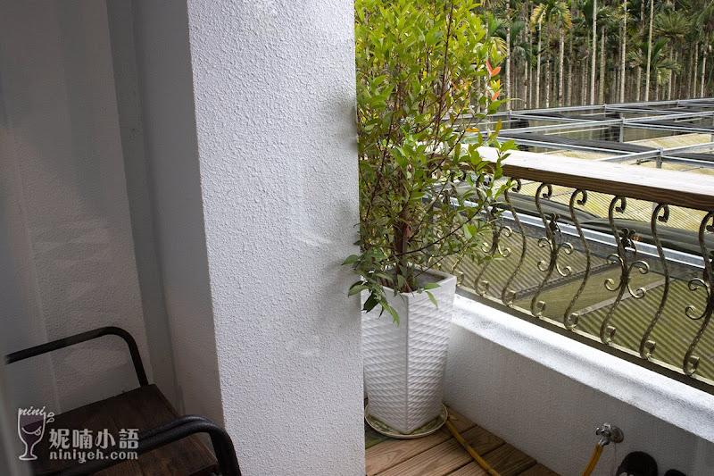 【南投日月潭住宿】LOOK路殼民宿。超大玻璃帷幕衛浴空間享受日光浴