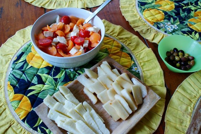 melone pomodorini mozzarella insalata