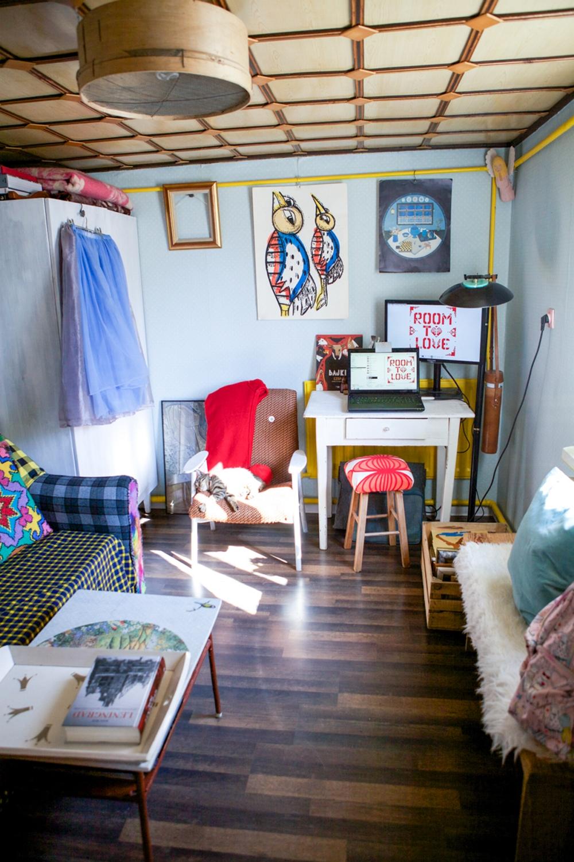 wnętrze pełne koloru na każdą kieszeń by RoomToLove