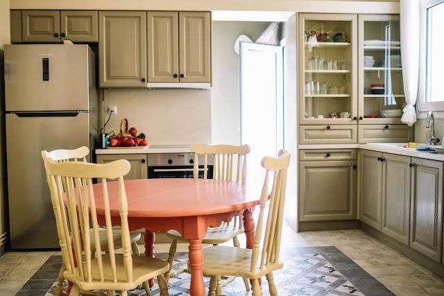 Έλα, κερνάω καφέ στην κουζίνα 1 Annie Sloan Greece