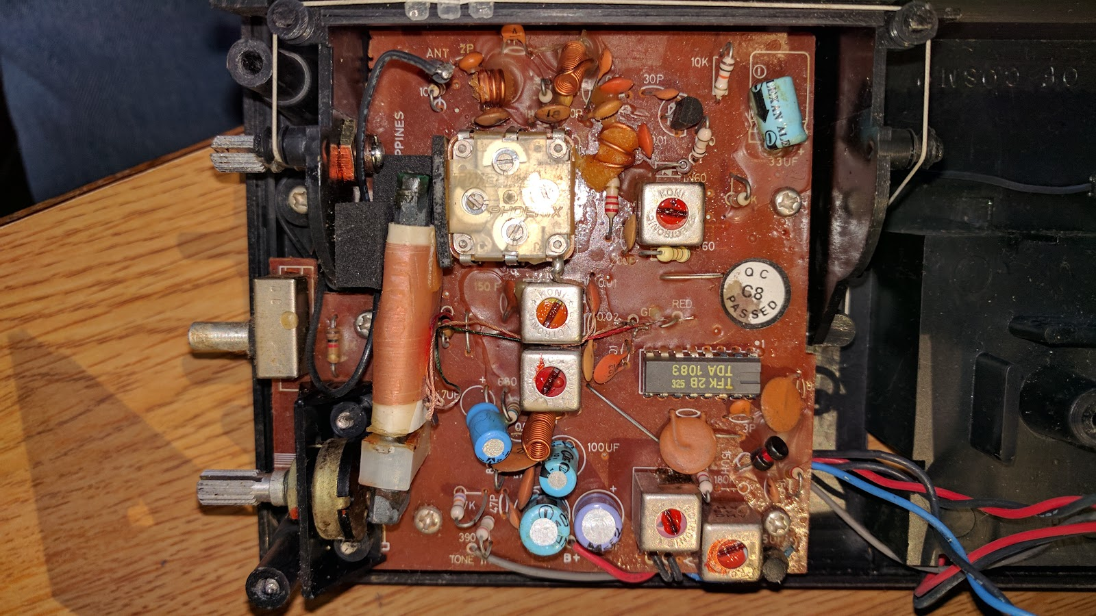 Metal Film Resistor Inside 1980s Sanyo Radio Alarm Clock Circuit Board Old Boards Have A Lot Of Smooth Traces
