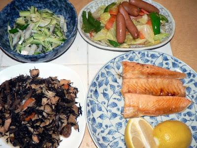 夕食の献立 献立レシピ 飽きない献立 ハラス焼き ひじき ウインナー野菜炒め