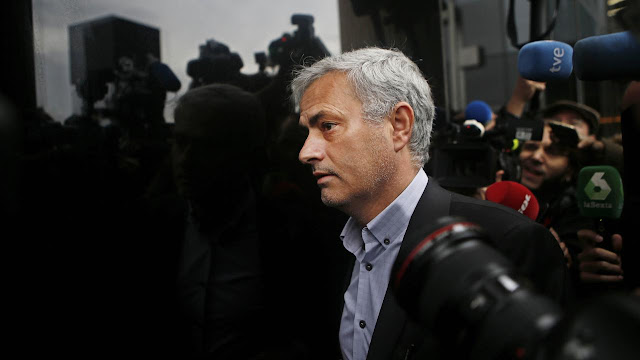 Jose Mourinho Mengeluh soal Keuangan MU