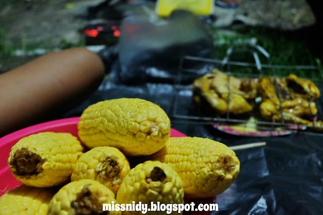bakar jagung pas tahun baru