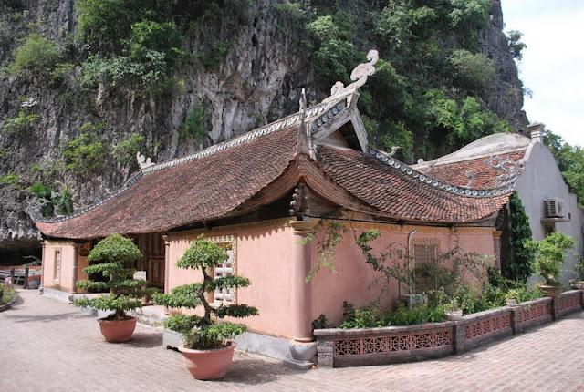 Co Vien Lau, Ninh Binh