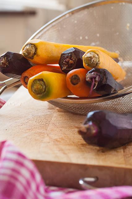 Oljuštene raznobojne šargarepe