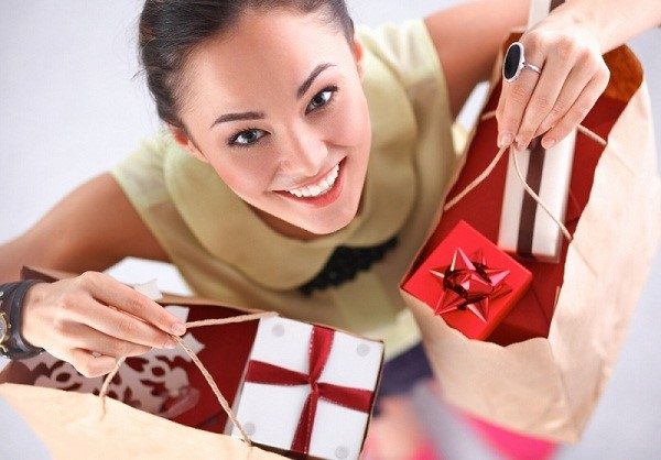 "Ini Lho Tipsnya Beli Kado Natal yang Bakal Bikin Si Penerima ""Meleleh"""