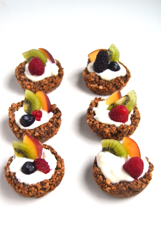 Fruit and Yogurt Cereal Cups make a fun breakfast option that are customizable and tasty. They are kid-friendly and packed with whole-grains, fiber and protein! www.nutritionistreviews.com