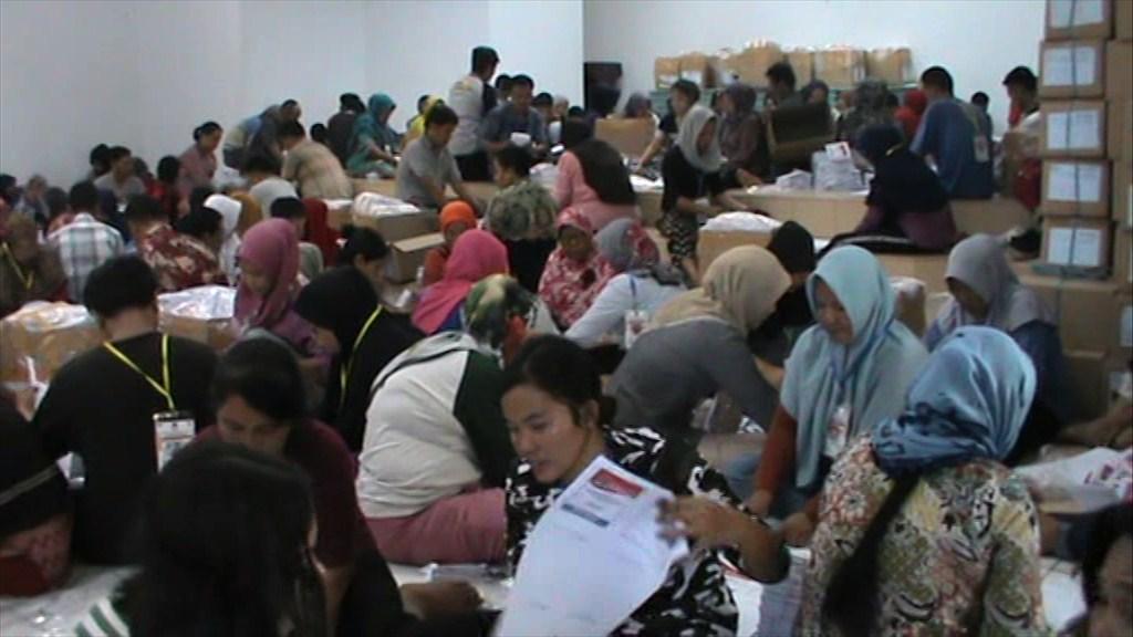 KPU Deliserdang Kerahkan 1.850 Orang Pelipat Surat Suara