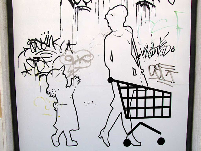 Graffiti or advertising, via Michon, Livorno