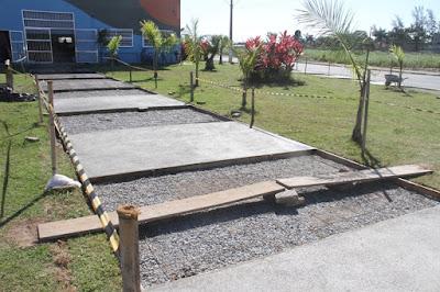Calçadas na área da sede do CCMI  na Ilha Comprida