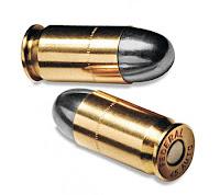 Çekirdekleri kurşun grisi ve kovanları altın renkli olan tabanca mermileri