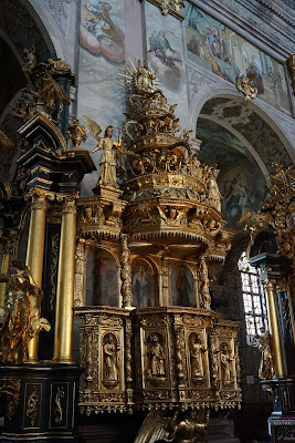 ambona w bazylice Zwiastowania Najświętszej Maryi Pannie
