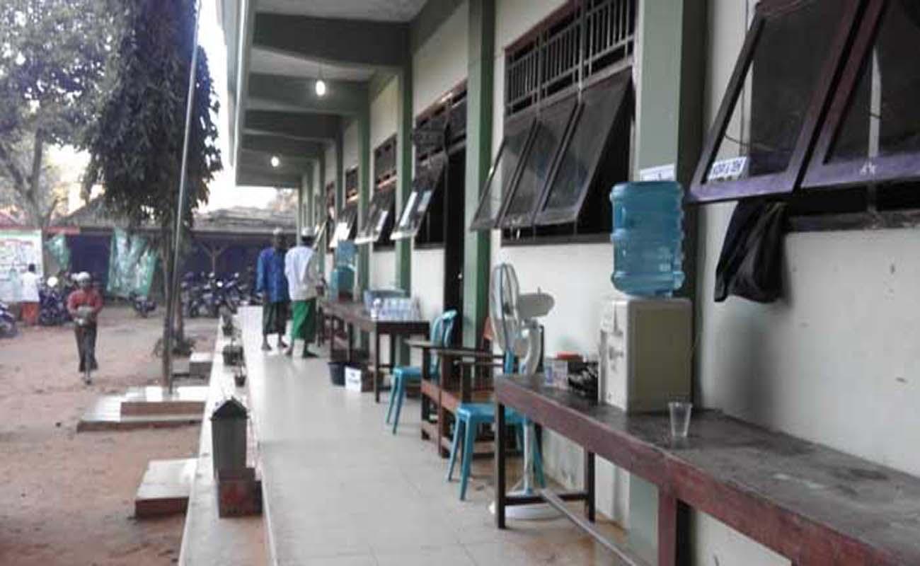 Kepala Sekolah PNS di Madrasah Swasta Galau