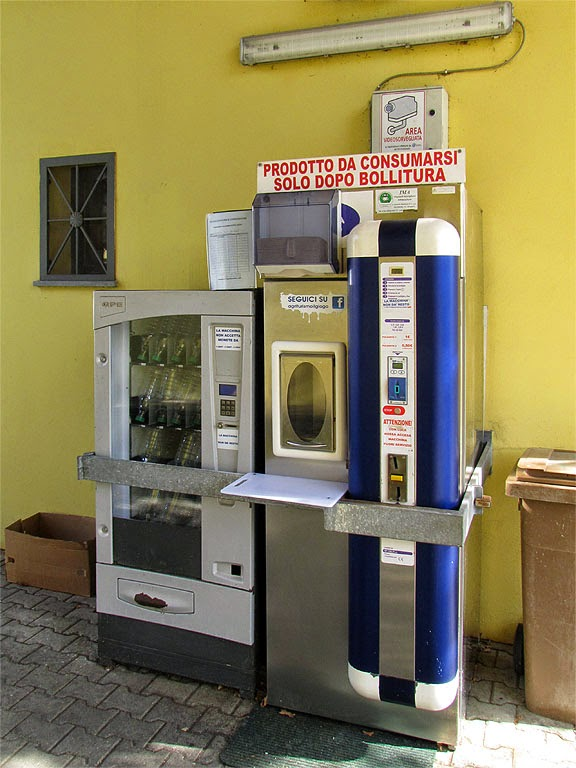 Raw milk vending machine, piazza Damiano Chiesa, Livorno