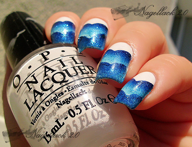 http://rainpow-nails.blogspot.de/2014/08/blue-scaled-gradient.html