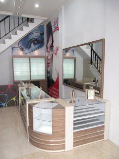 furniture toko kacamata