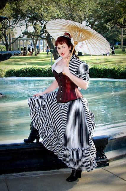 steampunk wedding, steampunk bride and groom, louise black corset, retroscope fashion, kempner park galveston, garten verein, galveston, wedding, steampunk picnic