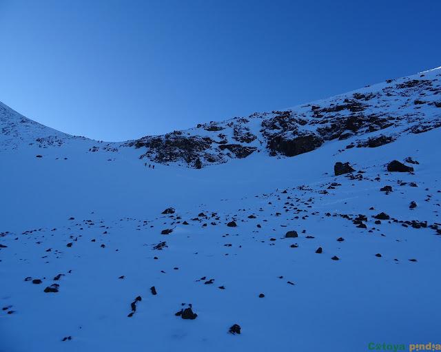 Cerca del collado camino hacia el Toubkal