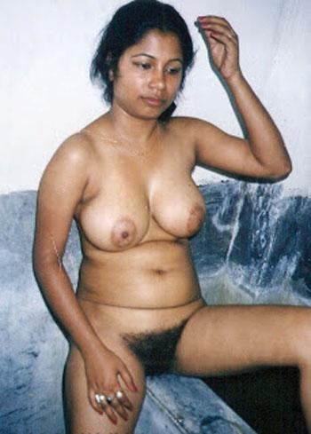 Nangi Desi Girl Hairy Pussy Chut