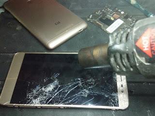 apa saja alat untuk membongkar handphone